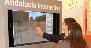 pantalla interactiva visualpanel-artstudio turismo andaluz